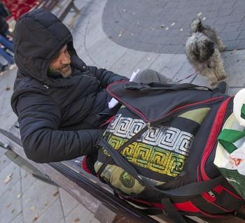 La mesa del frío inicia su atención a las personas sin hogar