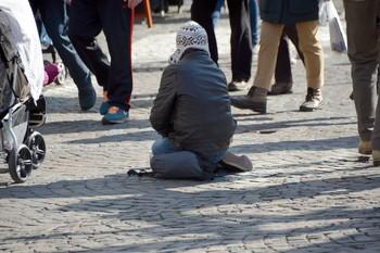 Cáritas, desbordada: atiende a 40.000 personas sin hogar