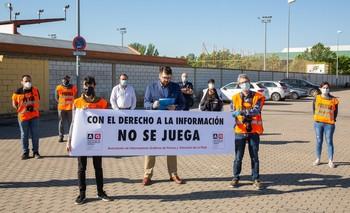 Concentración realizada ayer frente al campo Mundial 82 de Logroño