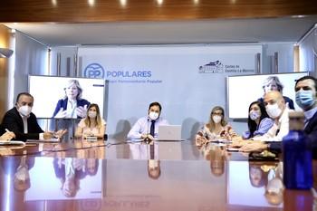Cuca Gamarra, Paco Núñez y Pilar del Castillo presidieron la reunión del Grupo de Educación del PP regional, en las Cortes.