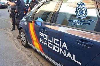 Aíslan a una quincena de policías nacionales de Badajoz