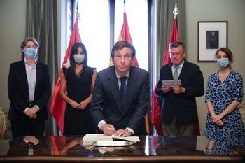 Madrid rubrica los Acuerdos de la Villa