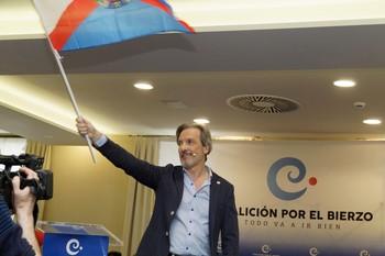 Pedro Muñoz, presidente de Coalición por el Bierzo, durante la campaña electoral de los comicios municipales en mayo de 2019.