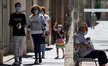 El uso prolongado de la mascarilla agrava los casos de acné