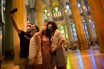 Barcelona concentra el 40% de los nuevos contagios en Cataluña