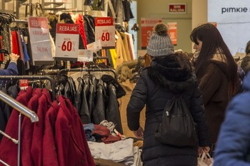 Los precios bajaron un 1% en enero en la región y la tasa interanual aumenta un 1,4%.