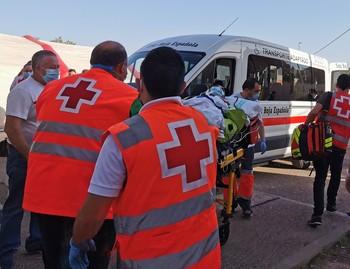 Evacuación de pacientes del Hospital.