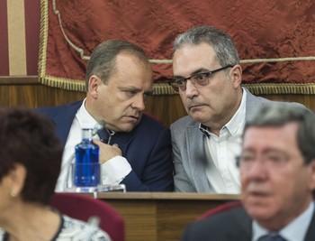 Martínez-Acitores dimite como presidente del distrito Centro