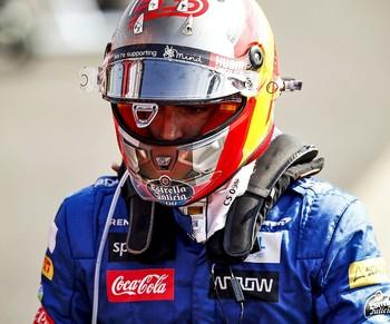 Carlos Sainz estalla
