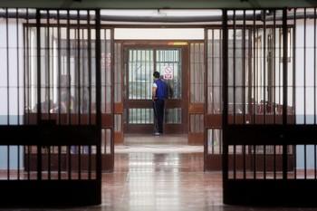 Los funcionarios de prisiones temen la propagación del Covid