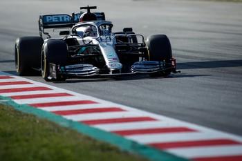 Mercedes continúa un paso por delante