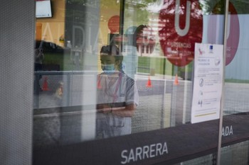 Dos muertes, 10 ingresos más y 187 contagios en Navarra