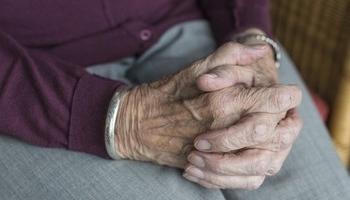 Juzgan al dueño de una residencia de ancianos por estafa