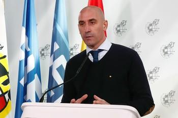 Rubiales ofrece ayuda a los clubes afectados por el Covid-19