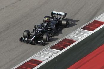 Mercedes asusta en la primera jornada de libres