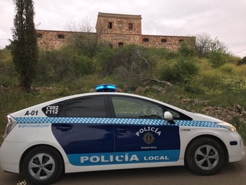La Policía Local interviene en un botellón en La Atalaya