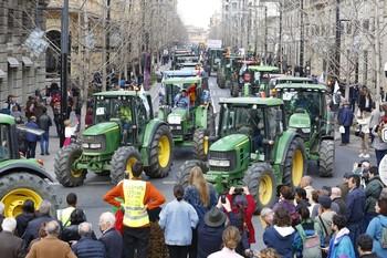 Cuatro detenidos en las protestas de agricultores en Granada