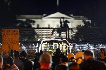 Las protestas raciales apuntan ahora a Trump