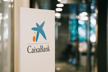 CaixaBank gana 726 millones hasta septiembre, un 42,6% menos