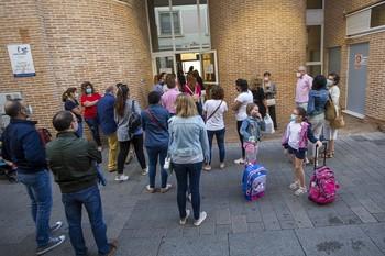 Dos nuevas aulas en la capital son confinadas por Covid