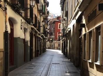 Imagen desoladora de la calle Laurel vacía, en los peores momentos del estado de alarma.