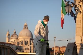 Italia supera los 18.000 fallecidos