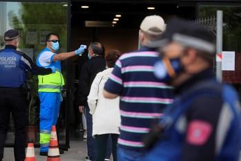 España registra 11.016 nuevos positivos y 177 muertes