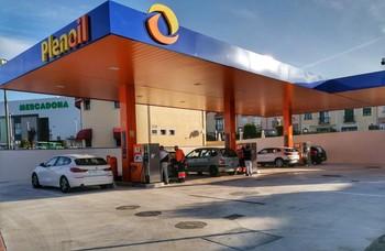 Plenoil abre en Ávila su primera gasolinera de la región