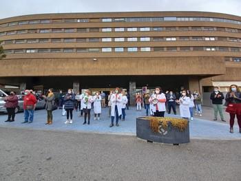 Concentración de protesta sindical a las puertas del Hospital General de Albacete.