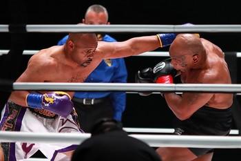 Tyson y Jones Jr. cumplen en un combate nulo