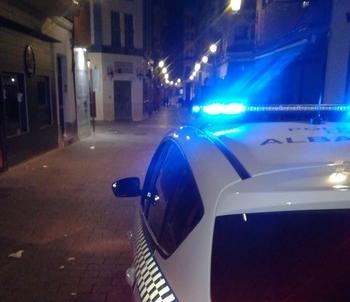 La Policía Local tramitó más de 120 denuncias anoche