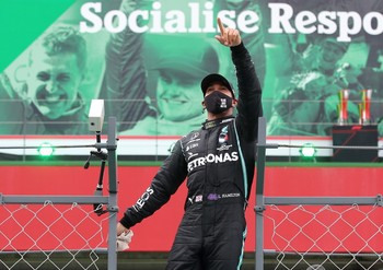 Hamilton supera a Schumacher y Sainz termina sexto