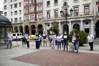Concentración de representantes de las agencias de viajes en el Espolón.