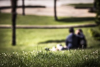 Ellos idelizan los celos en el amor y ellas 'aguantar'