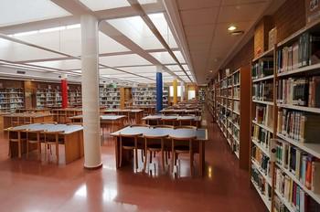 La UCLM ofrece a sus alumnos 221 becas por su colaboración