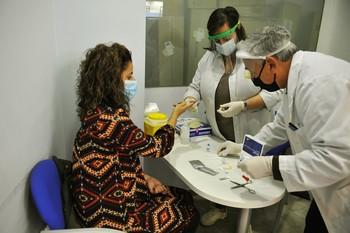 Sanidad notifica 13.873 nuevos casos, 5.314 en 24 horas