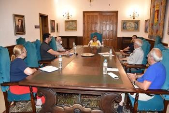 Élez presenta el Plan de Reactivación a la Mesa por Talavera