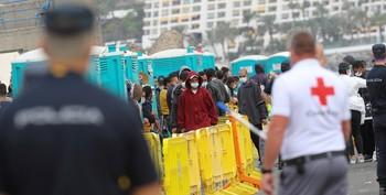Canarias advierte que no será cárcel ni muro de Europa