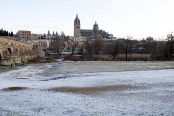 El temporal Gloria deja una ligera nevada y placas de hielo en la capital y provincia.