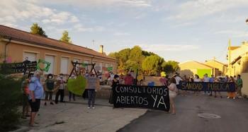 Vecinos de Fuente el Olmo por la apertura del consultorio