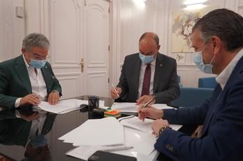 Diputación, FES y Cámara impulsan el comercio local