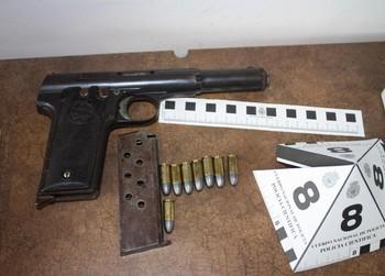 La Policía intercepta varias armas que iban a La Milagrosa