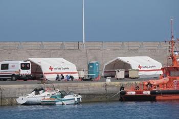 Al menos 50 muertos al naufragar dos pateras a Canarias