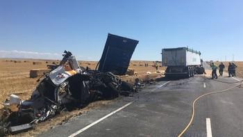 Dos fallecidos tras el choque de dos camiones en Salamanca