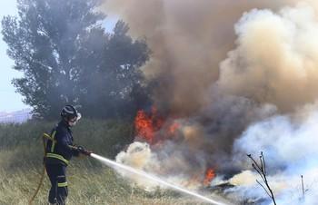 Un incendio pone en jaque al Camino de la Miranda