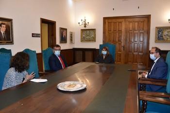 García Élez recibe al nuevo director provincial de Tráfico