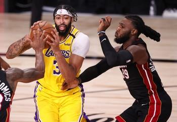 Los Lakers toman ventaja en su vuelta a las Finales de la NBA