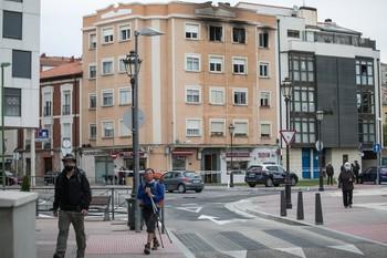 Un muerto y tres intoxicados en un incendio en Burgos