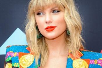 Taylor Swift sorprende con el lanzamiento de su nuevo disco