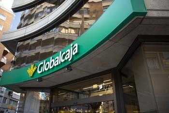 Fachada de una oficina de Globalcaja.